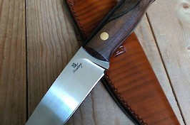 U1 Utility Knife in O1 carbon and walnut scales